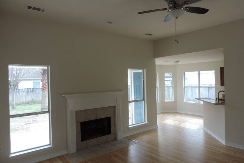 For_sale_living_room